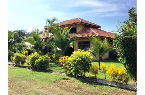 Elegant Beach Home in the Beautiful Town of Esterillos, part of the Central Pacific Region of Costa Rica!