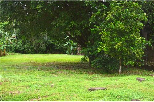 This Land is perfectly located in close proximity to the beach in the  popular city of Jaco.