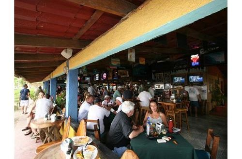 Income producing beachfront hotel-bar-pizza shop in Jaco Beach, Costa Rica!