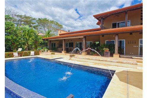 Spectacular Ocean View Home in an Exclusive Neighborhood of Tarcoles, Costa Rica!
