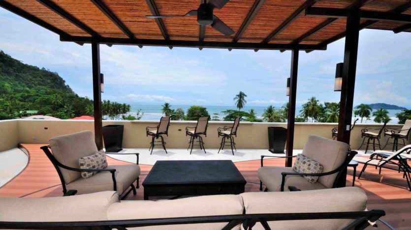 Monte Rey Jaco Beach Condo on the Exclusive South End of the City!