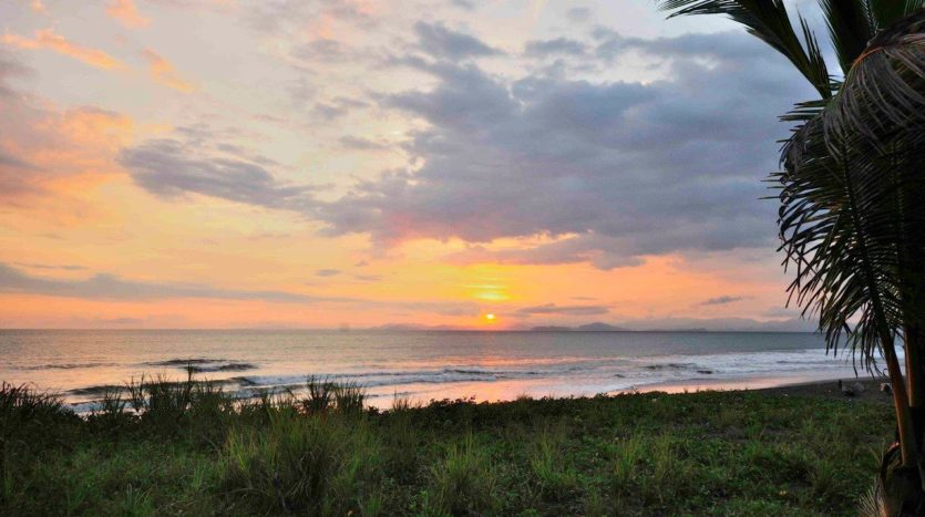 Bajamar Titled Oceanfront Property for Sale Near New Main Airport in Costa Rica!