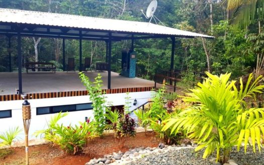 Hermosa Beach Jungle Yoga Facility in Prime Community in Costa Rica!